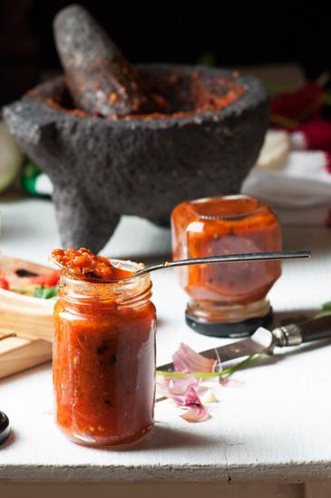 Salsa roja con chile de árbol