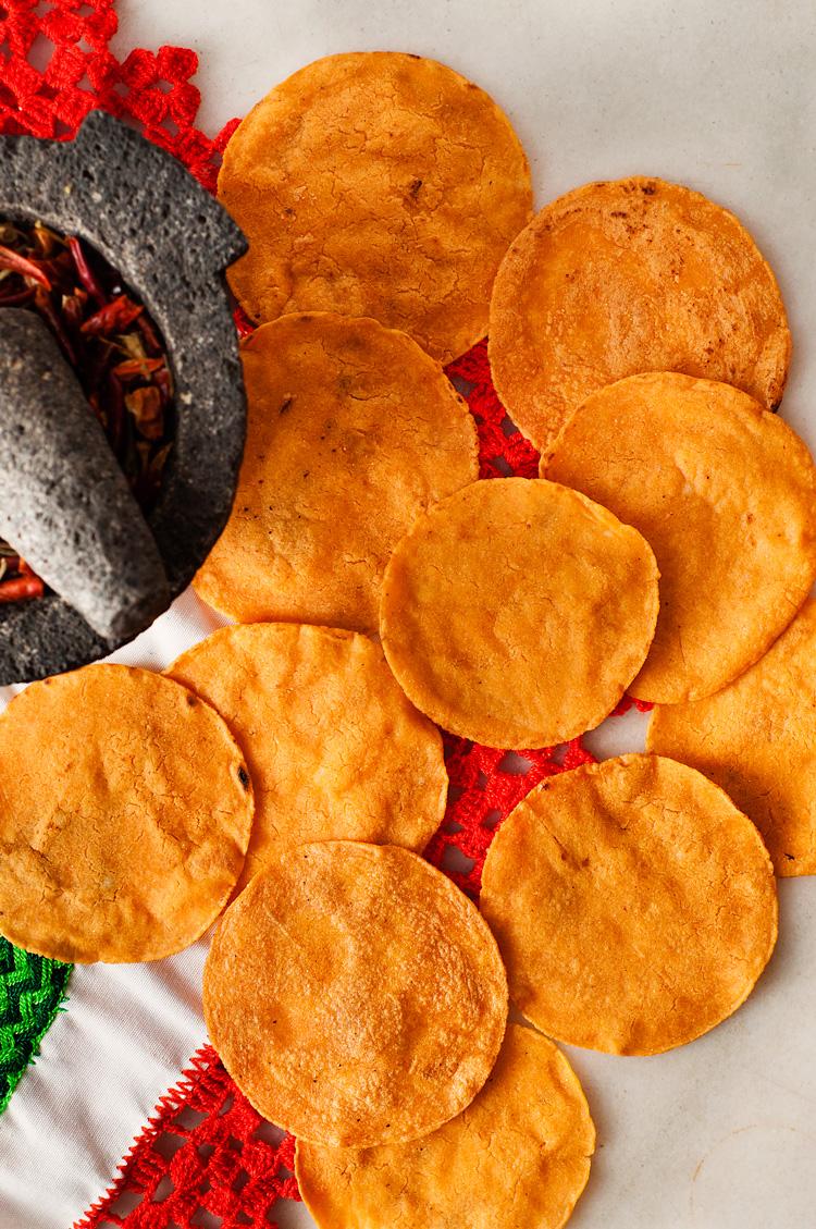 Tortillas con chile guajillo