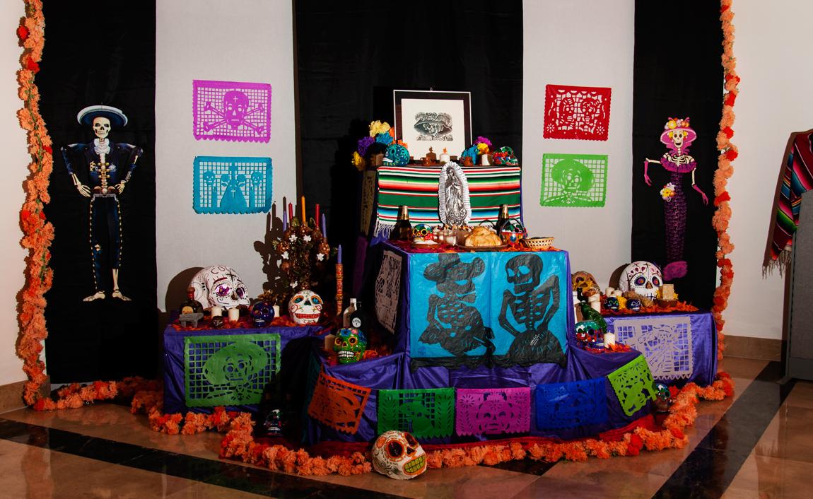 Altar de muertos museo América en Madrid